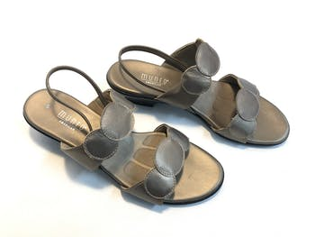 Used munro SHOES  8.5